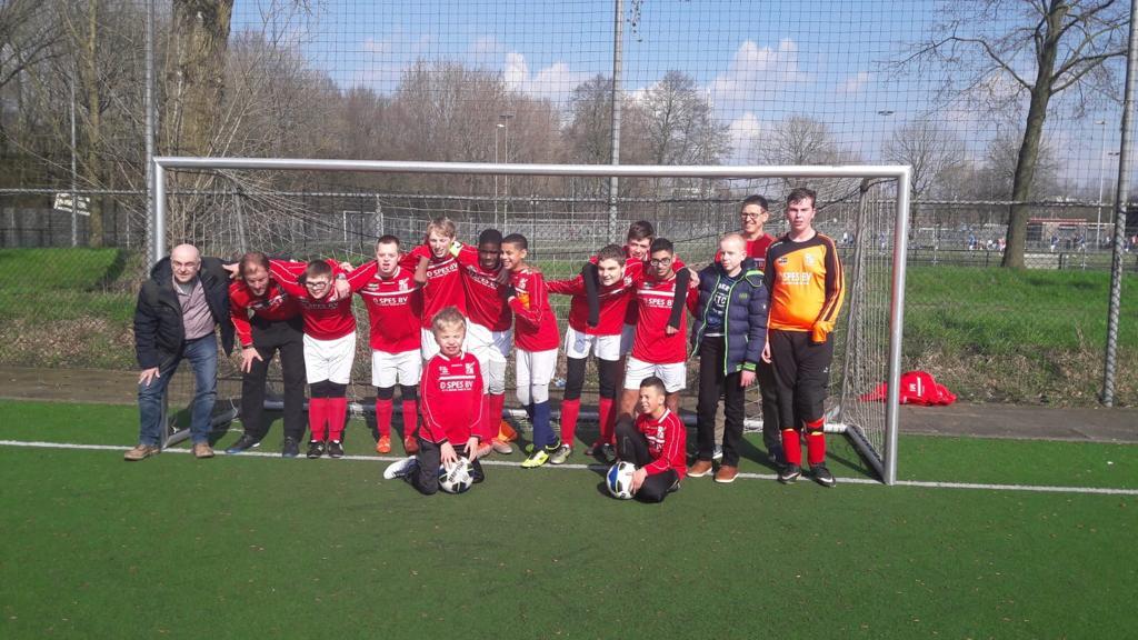 Het leukste voetbalteam van Nederland zoekt een sponsor!